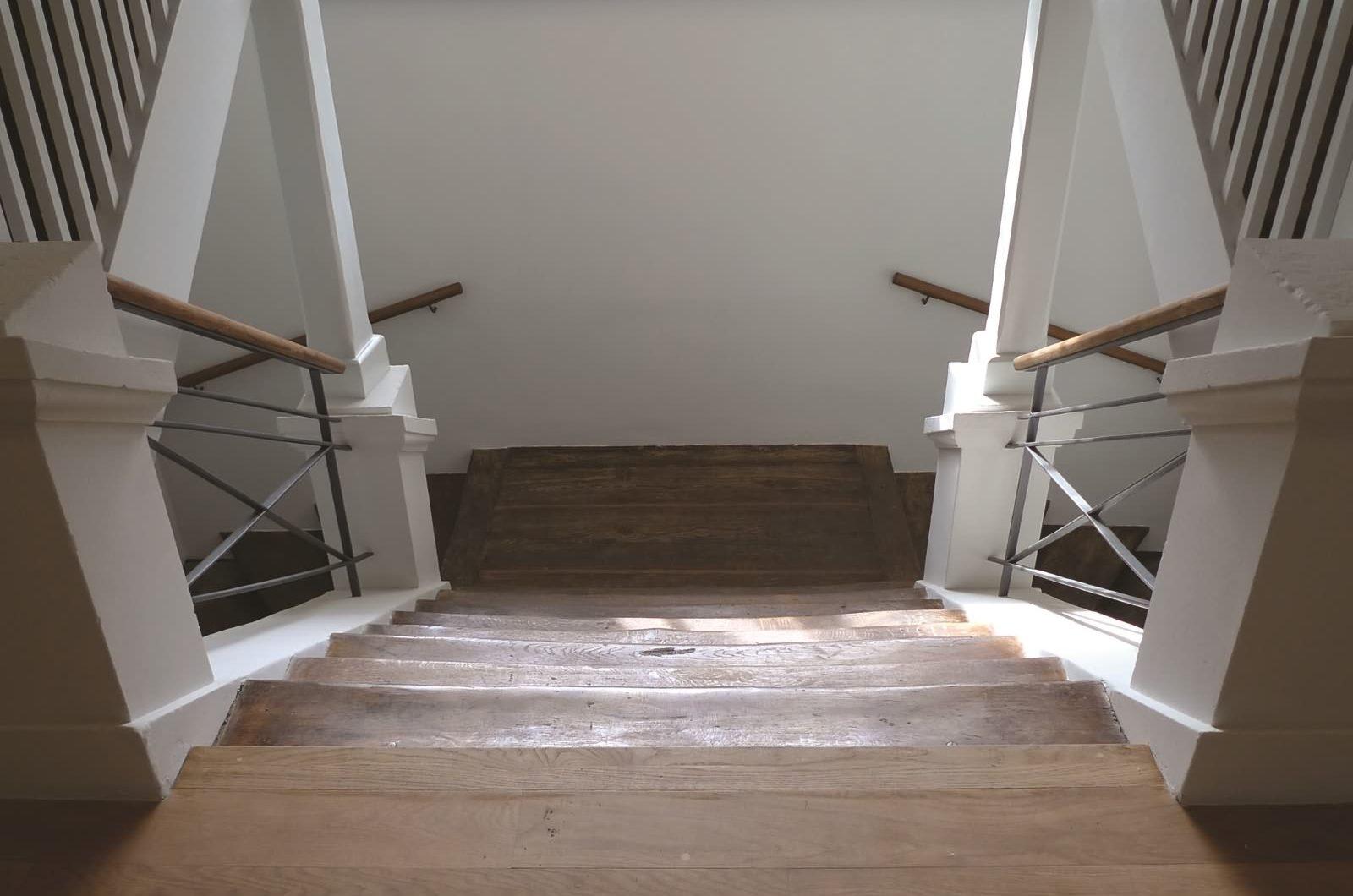 Europäische Bibliothek für Homöopathie Treppe